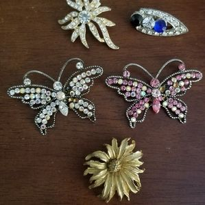 Accessories - Collection of Brooches